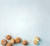 Quark doughnuts