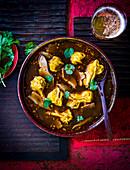 Scharf-saure Brühe mit Dumplings (China)