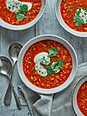 Tomatensuppe mit Chipotle und Reis