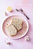 Vegan lemon cake with poppyseeds