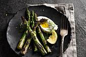 Grilled green asparagus with creme fraiche