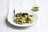Spagetti with basil pesto