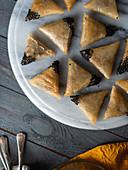 Sweet samosa with hazelnuts and honey (Tunisia)