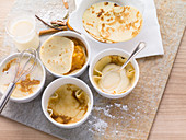 Pfannkuchen mit Apfelkompott und Vanillecreme