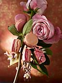 Macarons mit Rosen und Jasmin