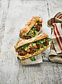 Banh Mi Sandwich mit Schweinehackbällchen