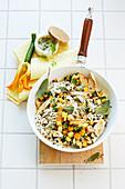 Reispfanne mit Hähnchenbrust, Zucchini und Salbei