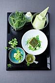 Heilbutt mit Kräuter-Crumble, Mönchsbart und Kerbel-Hummus