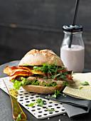 Vegetarian schnitzel sandwich with seitan and sweet potatoes