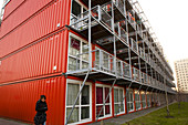 Sea container housing