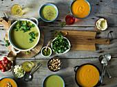 Butternussskürbis-Suppe und Erbsensuppe