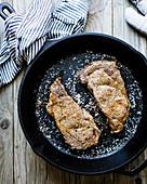 Steak in einer Pfanne
