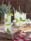 Lemon Fizz mit Gin