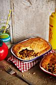 Scharfe Rindfleisch-Pies mit Jalapenos und Ale