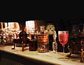 Vampiro Cocktail (Cocktail mit rotem Fruchtsaft, Tequila, Gewürze und Soda)