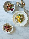 Dreierlei Müsli mit Früchten