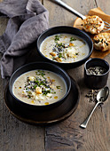Roasted garlic and cauliflower soup