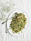 Reissalat mit Mais, Pilzen und Koriander