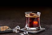 Eiskaffee mit Espressoschäumchen