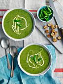 Broccoli, pea and kale soup