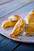 Goat's cheese puff pastries with thyme and thyme honey