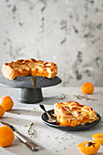 Apricot pie with thyme