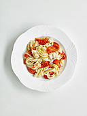 Linguine with crab meat and tomatoes