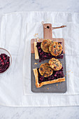Kelp fritters with red cabbage on puff pastry