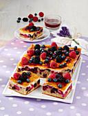 Berry cappuccino cake