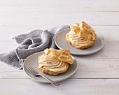 Caramel cream puffs