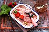 Erdbeer-Rhabarber-Eis