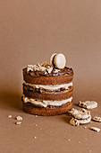 Chocolate mini cake with macarones