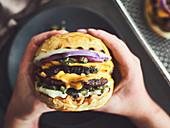 A smashed cheeseburger