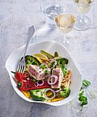 Nudelsalat mit Röstgemüse und Thunfisch