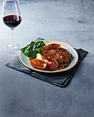 Slow Cooker Rindfleisch mit Rotweinsauce