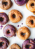 French Crullers mit Glasur