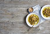 Kokoscurry mit Kichererbsen und Spinat