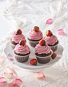 Muffins mit Erdbeercreme