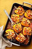 Gefüllte Paprika mit Vollkornreis, Zucchini und Feta