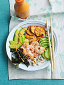 Rice and quinoa prawn sushi bowl