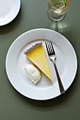 Ein Stück Zitronentarte