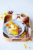 Bircher Müsli Bowl mit Kaffee