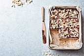 Schokoladen-Kokosnuss-Blechkuchen