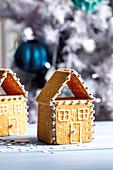 No-bake cookie houses