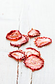 Dried strawberry slices