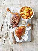 Confit de Canard mit Bratkartoffeln