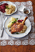 Duck leg with bicolour kraut