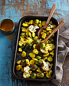Gratinated Brussels sprouts with cauliflower