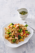 Pasta salad with tofu and bell pepper
