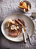 Perfect beefsteak with shalotts